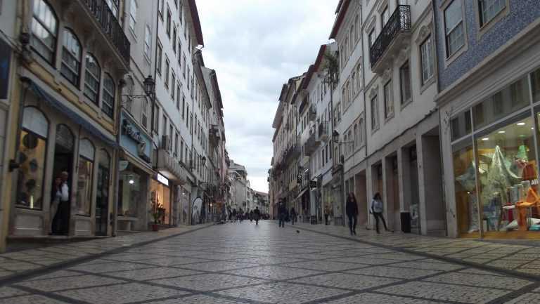 """Jornal Campeão: Coimbra: Ladrões voltam a furtar, durante a noite, numa loja da """"Baixa"""""""