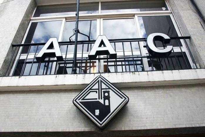 Jornal Campeão: Universidade apoia Associação Académica de Coimbra com 240 000 euros