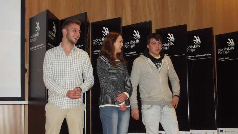 Jornal Campeão: Vencedores do Campeonato Nacional das Profissões recebem diplomas