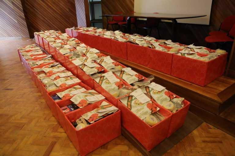 Jornal Campeão: Lousã apoia famílias carenciadas distribuindo cabazes de Natal