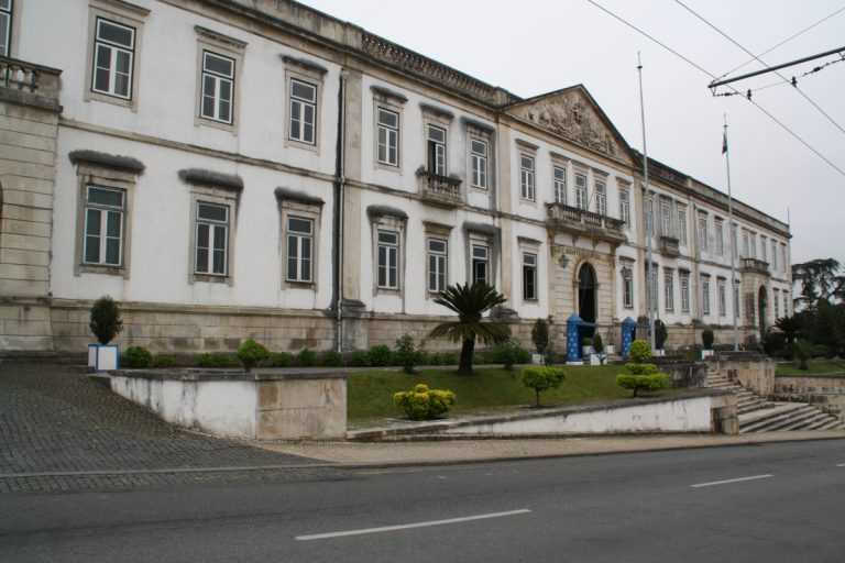 Jornal Campeão: Coimbra: Militares dão refeição aos sem-abrigo