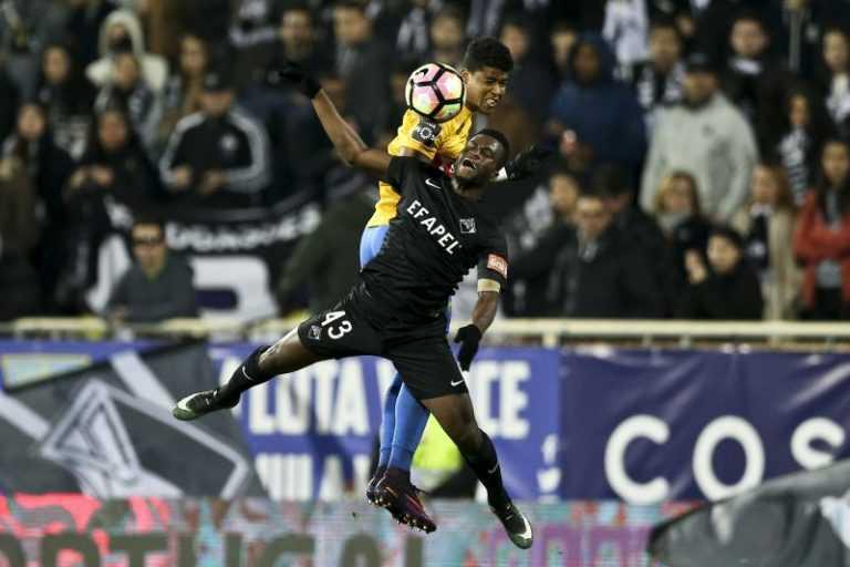 Jornal Campeão: Futebol: Académica-SDUQ diz adeus à Taça no Estoril