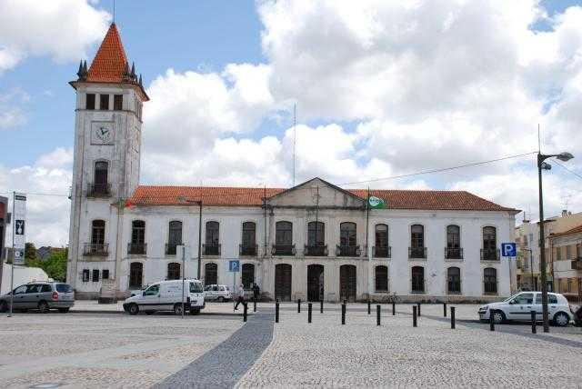 Jornal Campeão: Cantanhede suspende obra com trabalhadores de Felgueiras