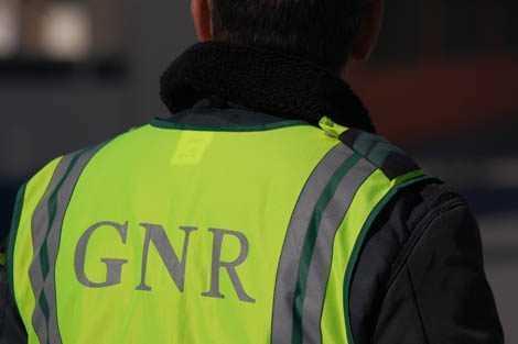 Jornal Campeão: GNR deteve duas pessoas por furto de uma máquina de tabaco em Tentúgal