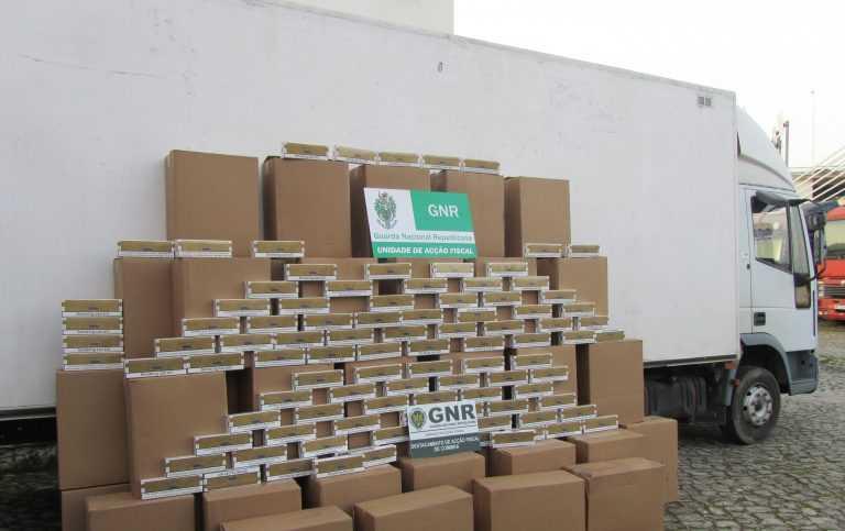 Jornal Campeão: GNR apreende meio milhão de cigarros dissimulados num pesado
