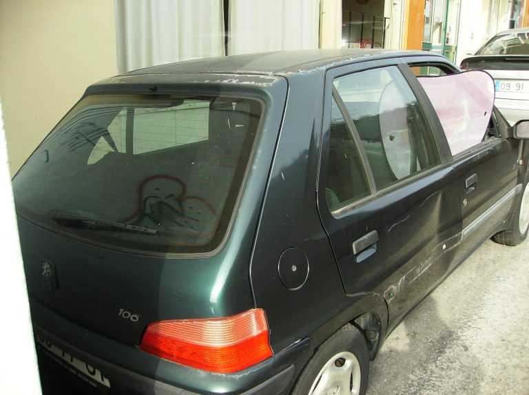"""Jornal Campeão: Coimbra: (Boa) acção desocupa carro """"residencial"""""""