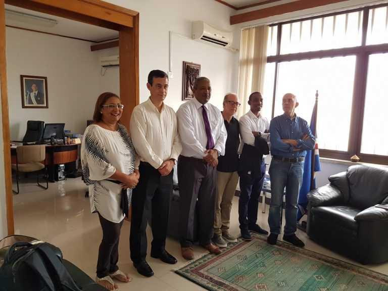 Jornal Campeão: Cabo Verde: Implantado 'pacemaker' com contributo do CHUC