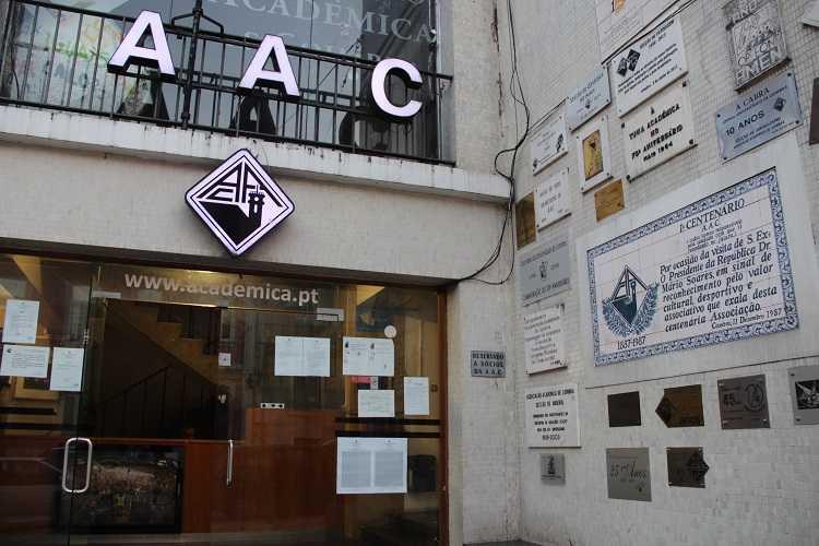 """Jornal Campeão: AAC exige """"resposta clara, definitiva e inequívoca"""" sobre as propinas"""