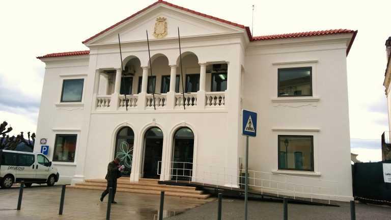 Jornal Campeão: Câmara de Penacova possibilita abertura dos estabelecimentos comerciais às 09h00