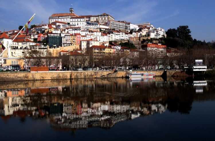 Coimbra rio e universidade