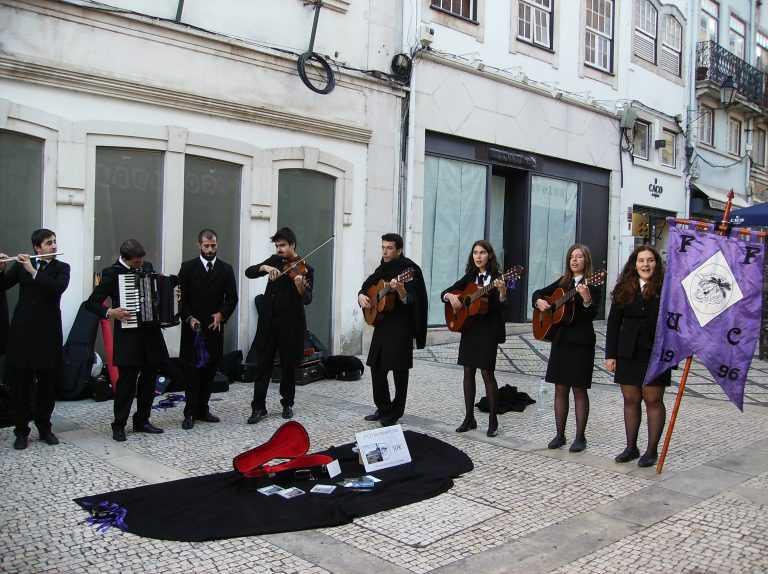 Jornal Campeão: Coimbra atribui apoios financeiros a oito associações juvenis do concelho