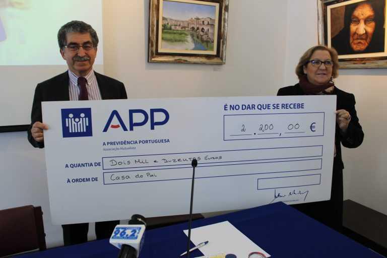 Jornal Campeão: A Previdência Portuguesa entregou 2 200 euros à Casa do Pai