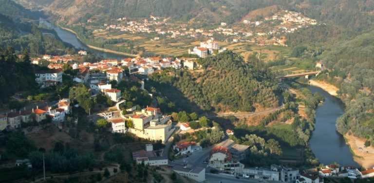 Jornal Campeão: Penacova: Bombeiros abastecem localidades afectadas pelos incêndios