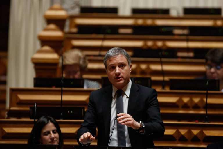 Jornal Campeão: Retirada a queixa de injúria apresentada contra o deputado Pedro Coimbra