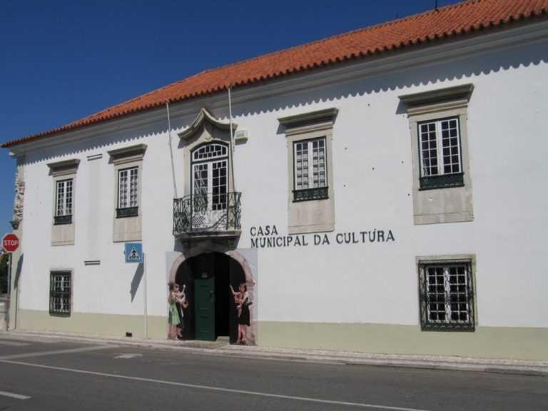 Jornal Campeão: Cantanhede com trânsito interrompido junto à Casa da Cultura e ao Museu da Pedra