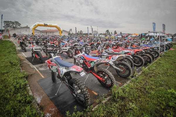 Jornal Campeão: Motociclismo: Souselas recebe prova nacional de Enduro