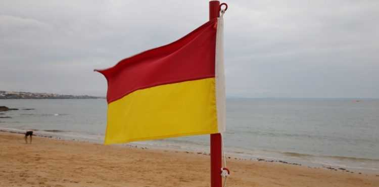 Jornal Campeão: Nova bandeira indica zona recomendável para banhos nas praias