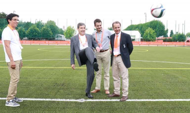 Jornal Campeão: Coimbra: Fernando Gomes inaugurou sintético do Estádio Universitário