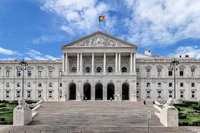 Jornal Campeão: Parlamento: Mário Ruivo ou Cristina de Jesus pelo PS/Coimbra