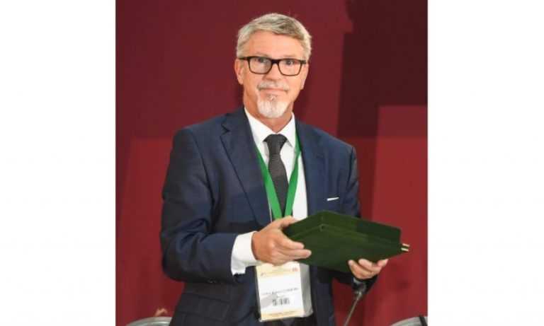 Jornal Campeão: Catedrático Carlos Robalo Cordeiro distinguido na Roménia