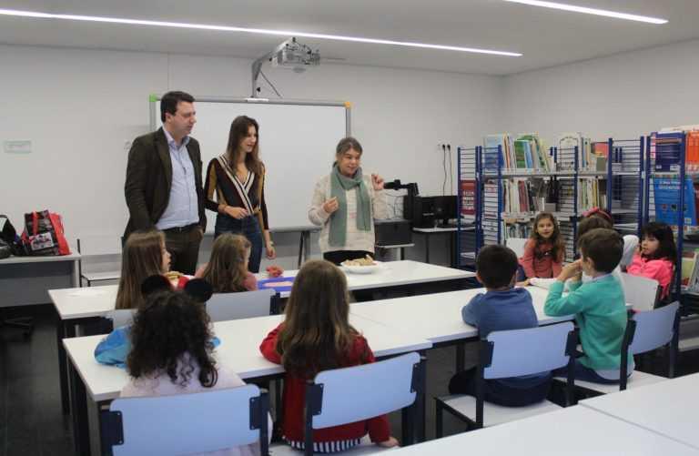 Jornal Campeão: Soure: Programa promove a fruta nas escolas