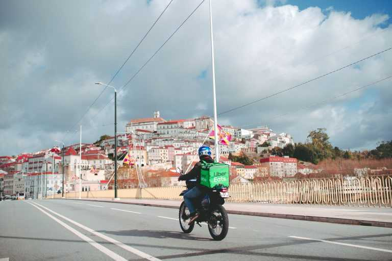 Jornal Campeão: Uber Eats chega a Coimbra no dia em que celebra o primeiro aniversário