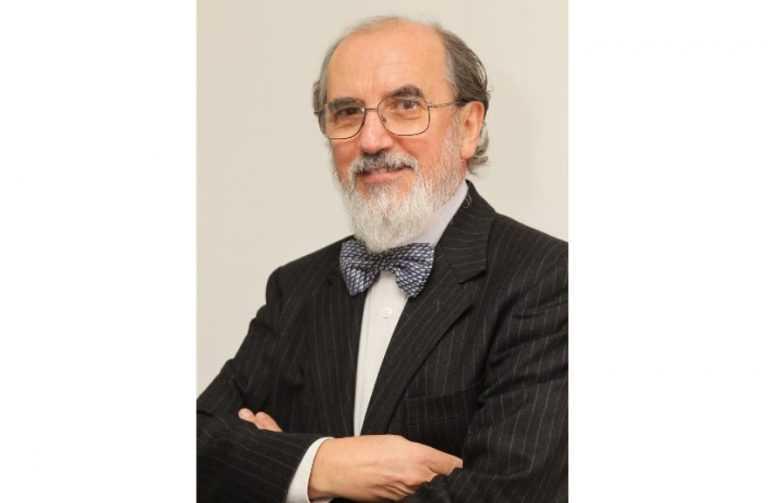 Jornal Campeão: Livro de Carlos Oliveira distinguido com prémio português e italiano