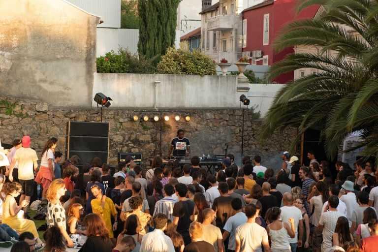 Jornal Campeão: Casa das Artes Bissaya Barreto recebe festival de música electrónica