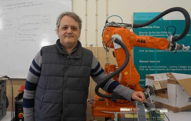 Jornal Campeão: UC: Premiado projecto de Norberto Pires de construção em aço