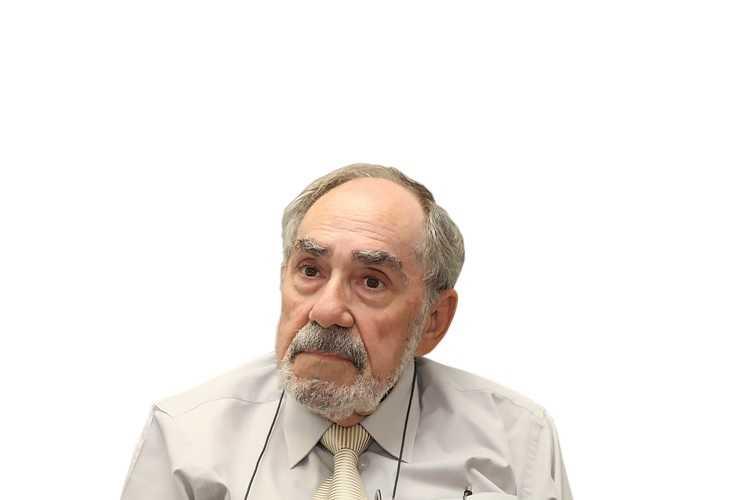Jornal Campeão: Parlamento aprova voto de pesar pelo falecimento de Romero de Magalhães