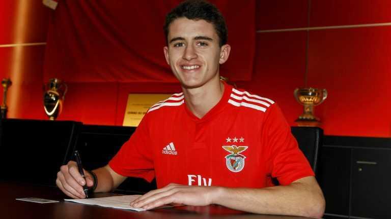 Jornal Campeão: Jovem futebolista Manuel Campos sai da Académica/OAF para o Benfica