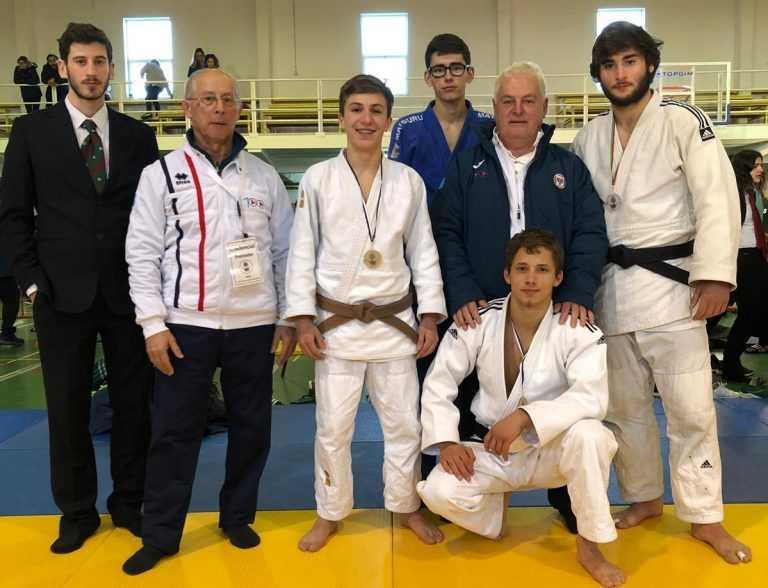Jornal Campeão: ACM: Judocas João Amaro e Bernardo Tralhão em 1.º lugar