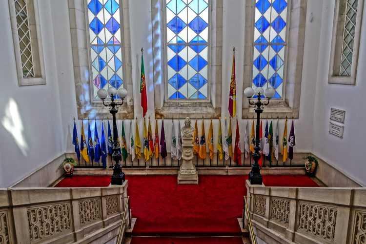 Câmara Coimbra bandeiras