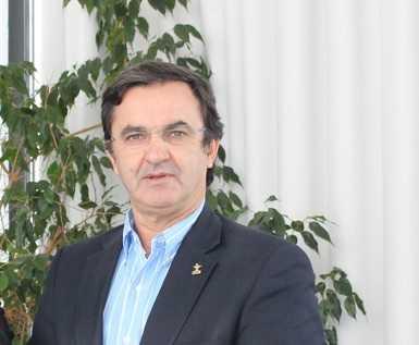 Jornal Campeão: UC: Director da Faculdade de Farmácia toma posse