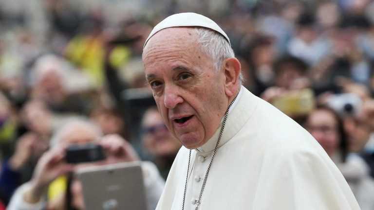 Jornal Campeão: Papa propõe anulação da dívida dos países pobres e pede cessar-fogo mundial