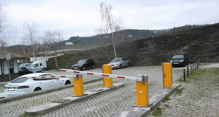 Jornal Campeão: Coimbra: Estacionamento de borla quando a bexiga aperta
