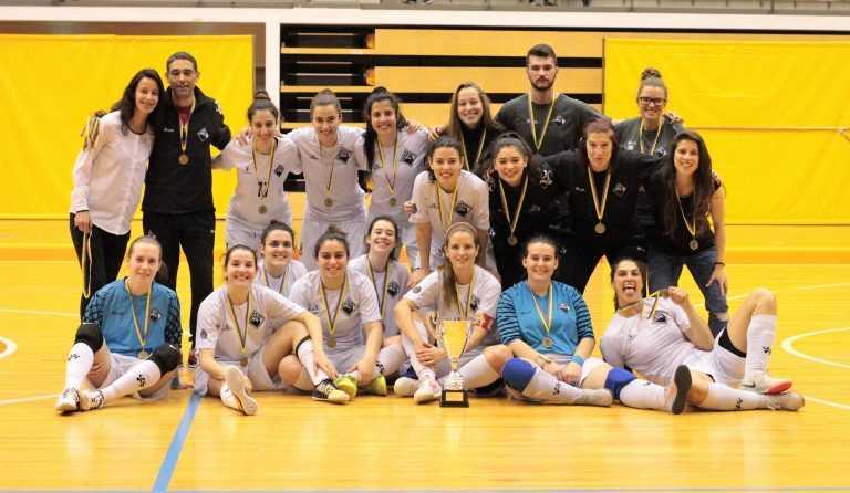 Jornal Campeão: Futsal: Taça de seniores femininos conquistada pela Académica SF