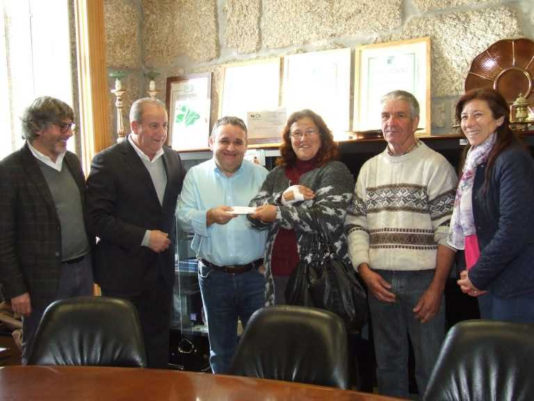 Jornal Campeão: Oliveira do Hospital: Fernando Mendes entrega donativo a família