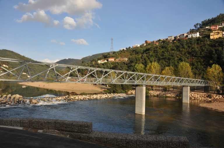 Jornal Campeão: Coimbra: Ponte na praia de Palheiros e Zorro é inaugurada a 04 de Julho