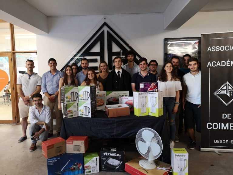 Jornal Campeão: AAC entregou bens materiais em falta nas residências de estudantes