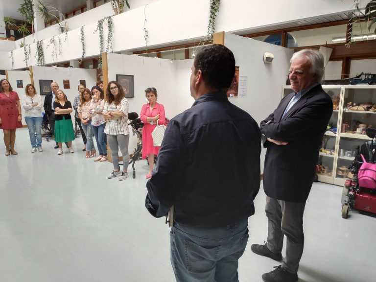 """Jornal Campeão: Coimbra: Exposição """"Diamonds and Rust"""" mostra obras de utentes da APCC"""