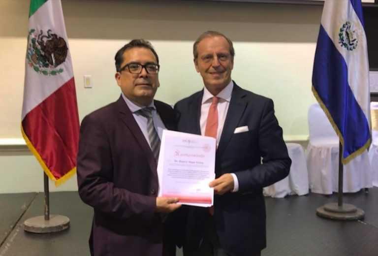 Jornal Campeão: Duarte Nuno Vieira homenageado em El Salvador