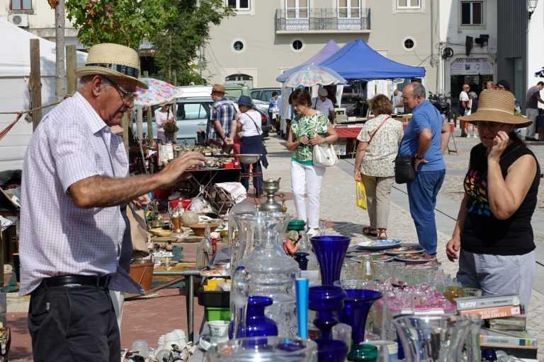 Jornal Campeão: Feira das Velharias volta ao Terreiro da Erva este sábado