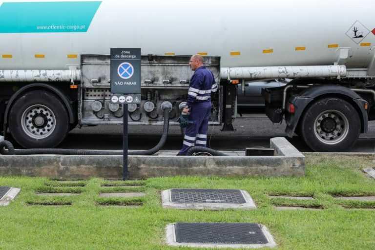 Jornal Campeão: Militares podem fazer operações de carga e descarga de cisternas
