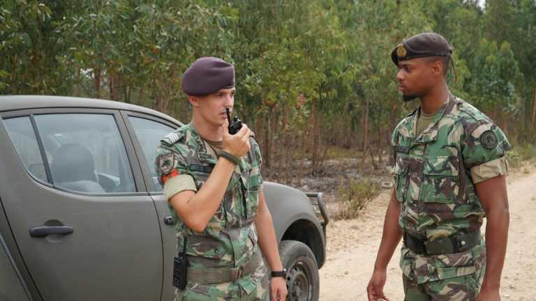 Jornal Campeão: Marinha e Exército apoiam Protecção Civil de Coimbra
