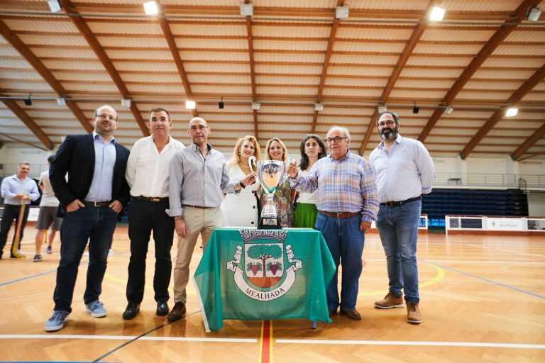 Jornal Campeão: Selecção Nacional de Hóquei homenageada na Mealhada