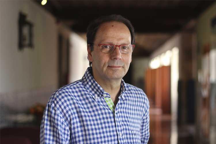 Jornal Campeão: António Ferreira toma posse como director da Faculdade de Psicologia