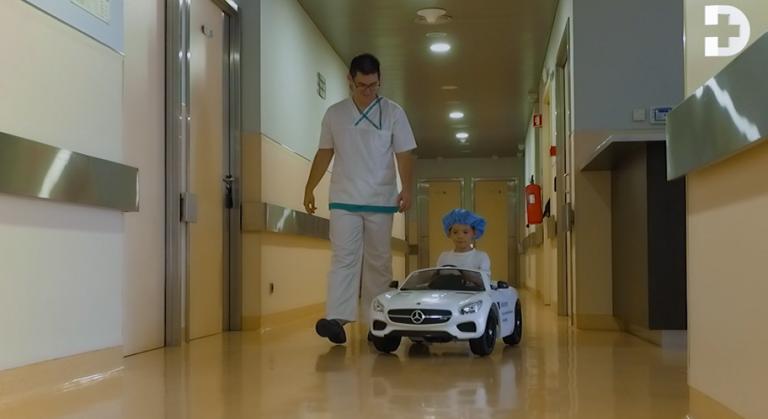 Jornal Campeão: Crianças vão de mini-carro para o bloco operatório