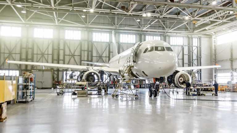 Jornal Campeão: Coimbra: ISEC lança curso de manutenção de aviões