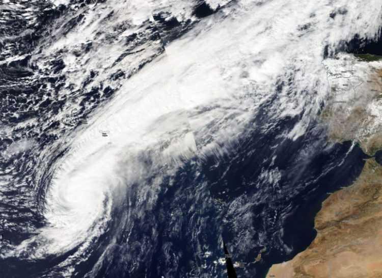 Leslie tempestade